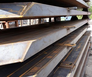 HW Engineering Glass Transport Stillages a Speciality
